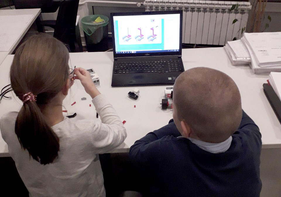 Prvi čas mladih robotičara
